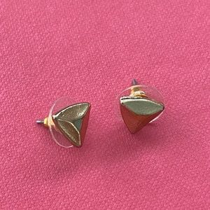 NWOT Baublebar Gold Pyramid Stud Earrings